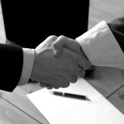 در مذاکرات تجاری چه مسائلی مطرح می شود؟